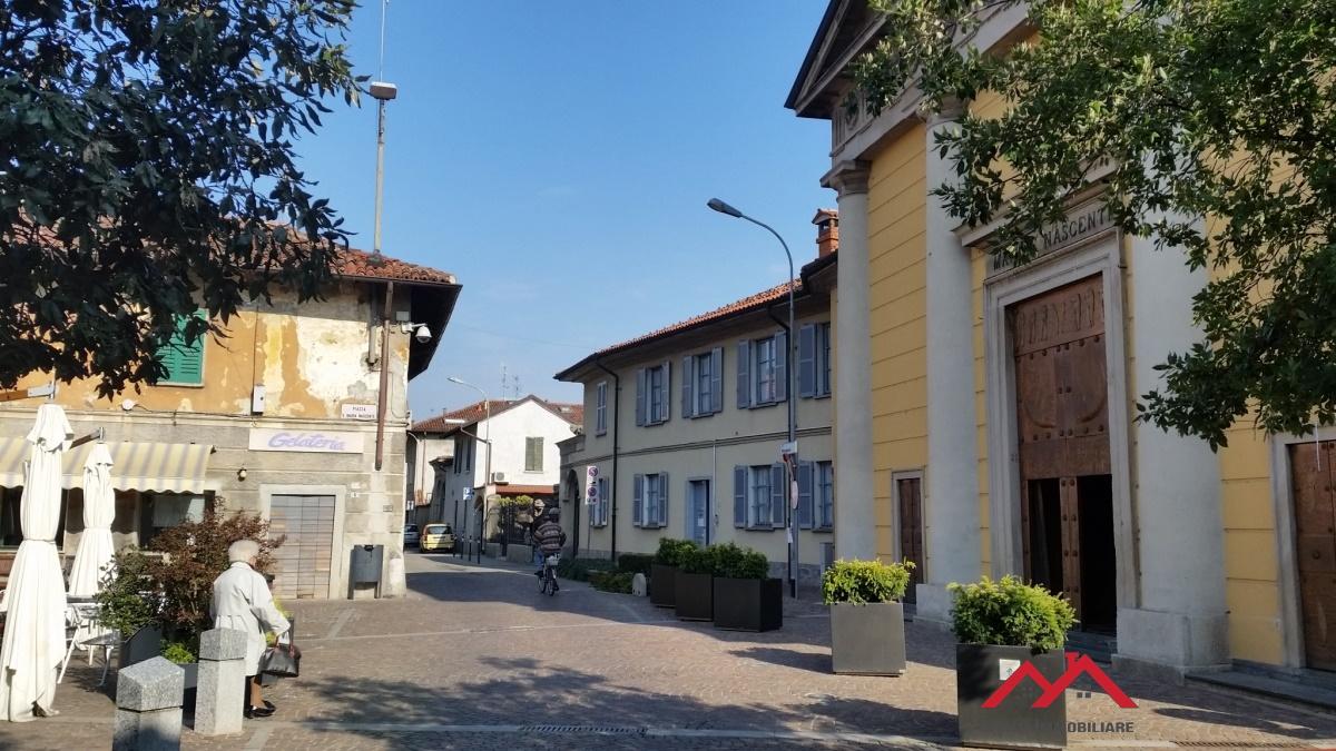 Cascina/casale vendita POZZUOLO MARTESANA (MI) - 99 LOCALI - 557 MQ